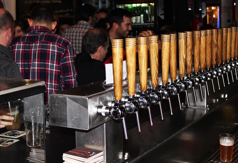 Lo que NUNCA debes decir en una cervecería