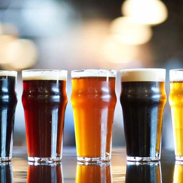 ¡LLAMADA a cocineros, camareros y comerciales apasionados por la cerveza artesana!