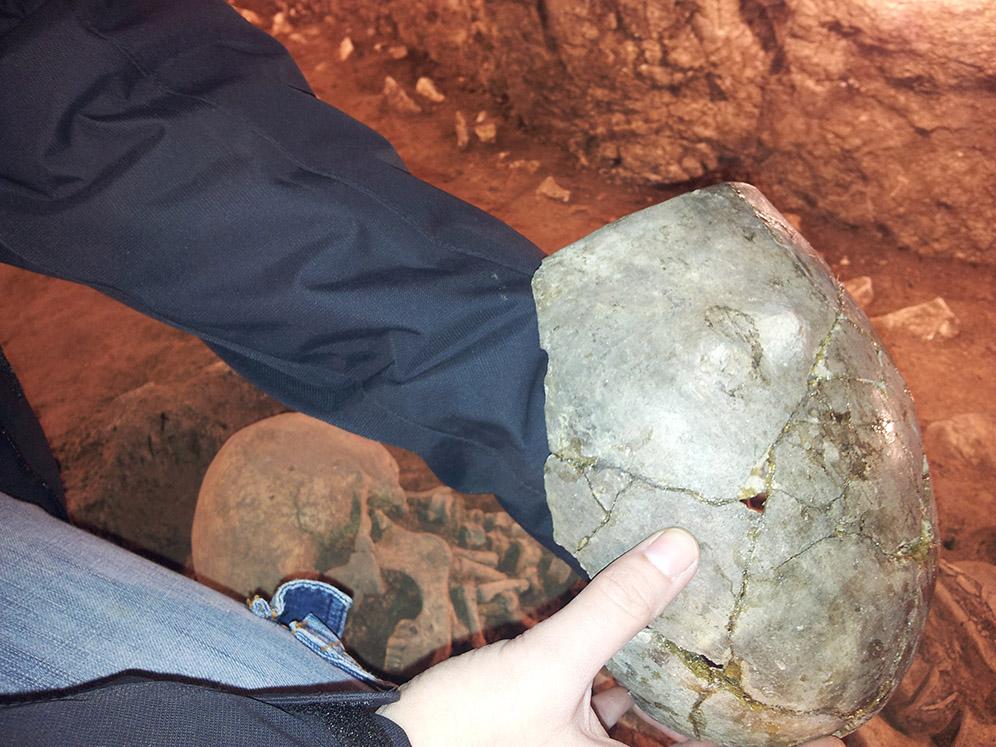 Vasija donde se encontraron los restos de cerveza más antiguos de Europa, hace 6.300 años en Begues